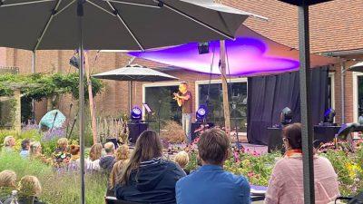 Dolf Jansen in de Singertuin
