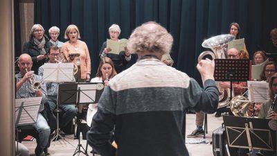Muziekvereniging Sint Jan speelt H.Mis gecomponeerd door  Bas Groenewoud