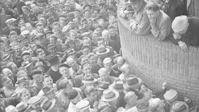 Frans Ruijter houdt lezing over opheffing van de erfgooiers tijdens Week van de Erfgooier